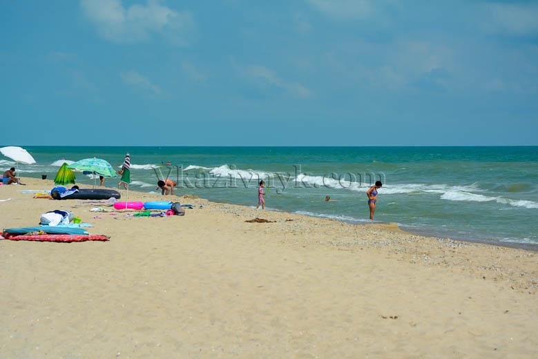Фото с пляжей черного моря 2018